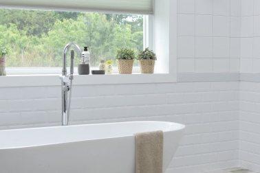 Bathroom Window Sill Decorating Ideas Every Day Home Decorating Bathroom  Windows_1512892278_378x252_920d7865d99d8f6f